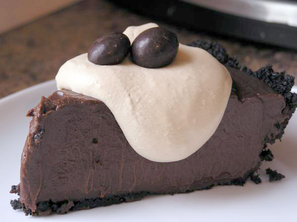 Recipe: Triple Chocolate Pudding Pie | The Domestic Goddess